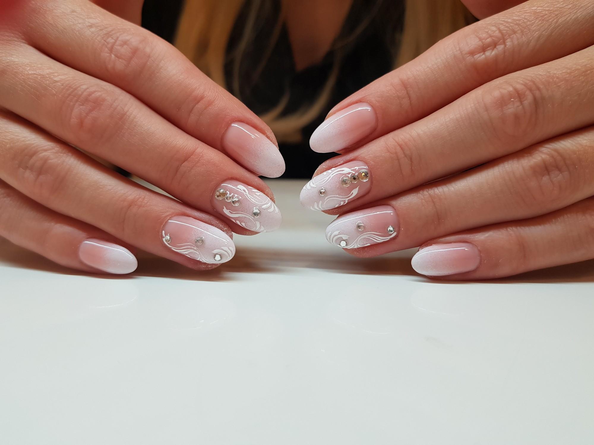 Paznokcie Hybrydowe Pedicure I Manicure Hybrydowy Colette Krakow